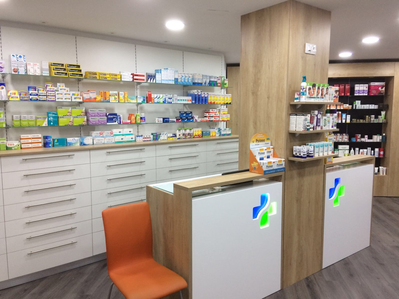 reforma de farmacia Granada